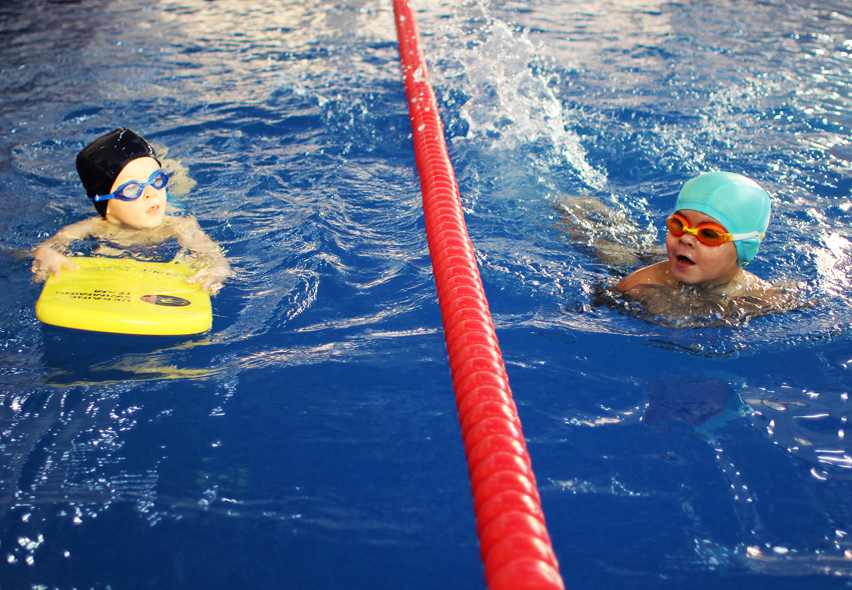 Детское соревнование по плаванию в «Софія Sport»